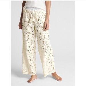 NWT Gap Dreamwell Eyelet Pajama Beach Pants